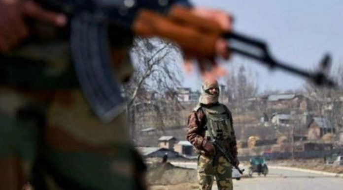 Militants hurl grenade at security forces in Srinagar